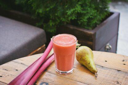 rhubarb pear smoothie